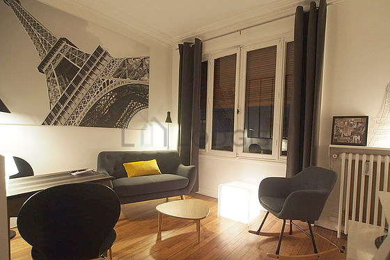 Location studio avec ascenseur paris 16 rue piccini for Appartement meuble paris long sejour