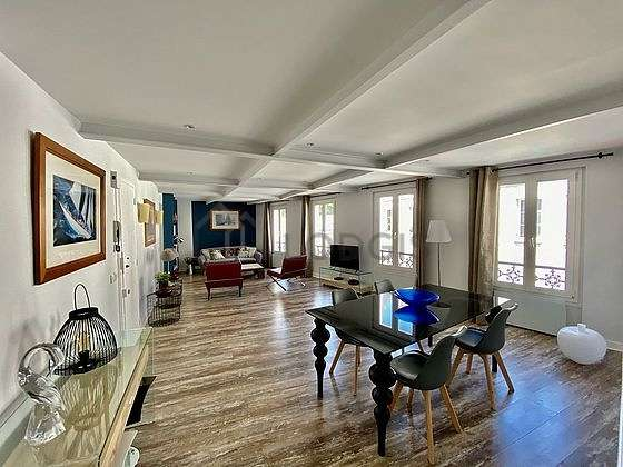 Location appartement 2 chambres paris 18 rue la for Appartement meuble paris long sejour