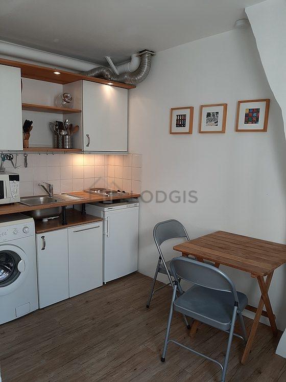 location studio avec concierge paris 9 rue de l 39 agent bailly meubl 25 m op ra grands. Black Bedroom Furniture Sets. Home Design Ideas
