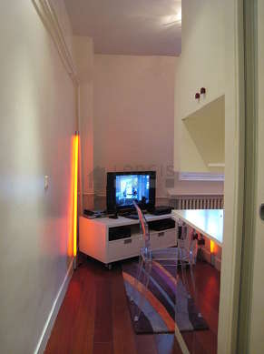 Séjour calme équipé de 1 canapé(s) lit(s) de 140cm, 1 lit(s) de 140cm, home cinéma, téléviseur