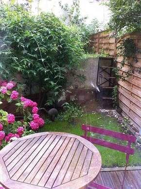 Jardin équipé de table à manger, 2 chaise(s)