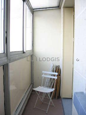 Véranda très calme, lumineux et équipée de 2 chaise(s)