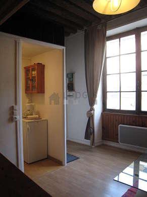Séjour très calme équipé de 1 lit(s) d'appoint de 90cm, 1 lit(s) mezzanine de 140cm, 1 canapé(s) lit(s) de 140cm, téléviseur