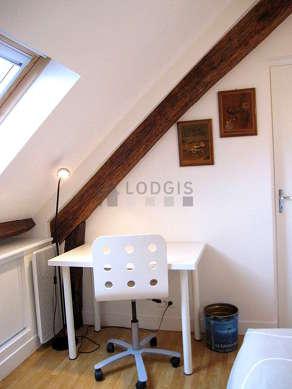Chambre très calme pour 2 personnes équipée de 1 lit(s) de camp de 80cm, 1 lit(s) de 90cm