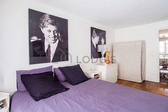 Chambre calme pour 3 personnes équipée de 1 lit(s) de 90cm, 1 lit(s) de 140cm