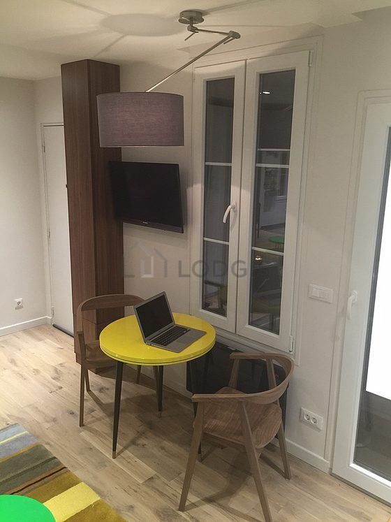 Location studio paris 14 avenue reille meubl 21 m for Appartement meuble location paris